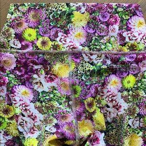 SALE**Lululemon Wunder Under floral legging.